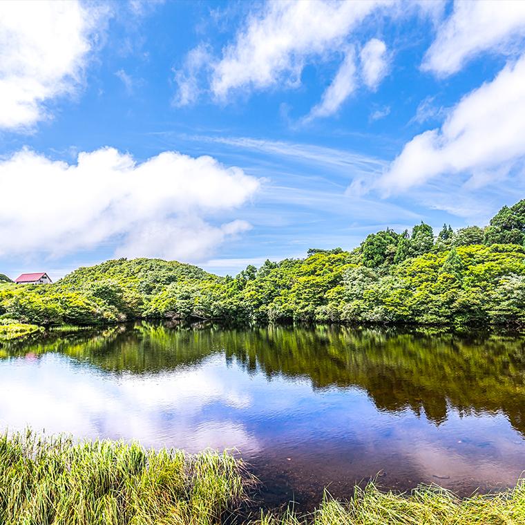 ドンデン池の水鏡