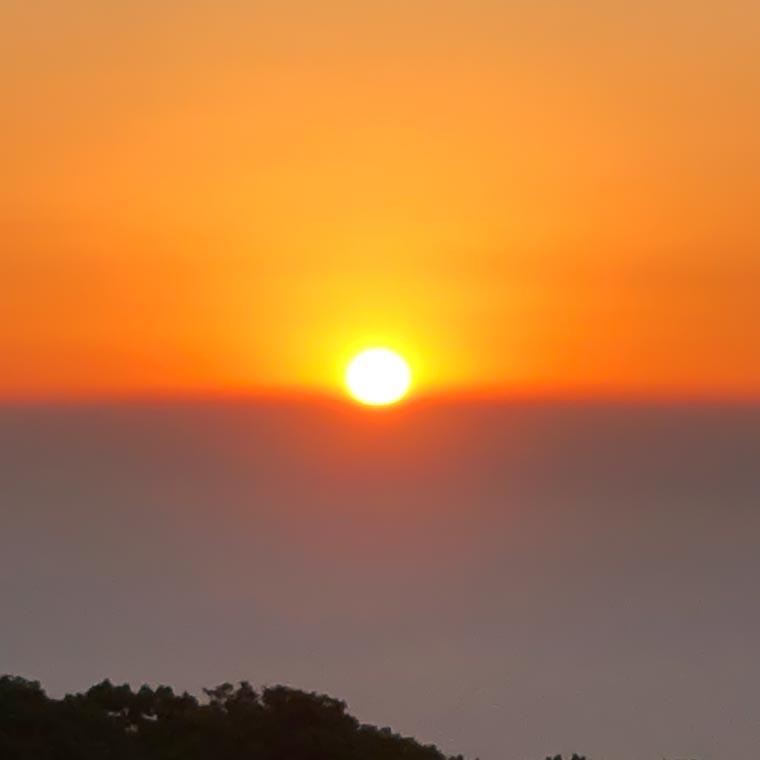 ドンデン高原の日の出